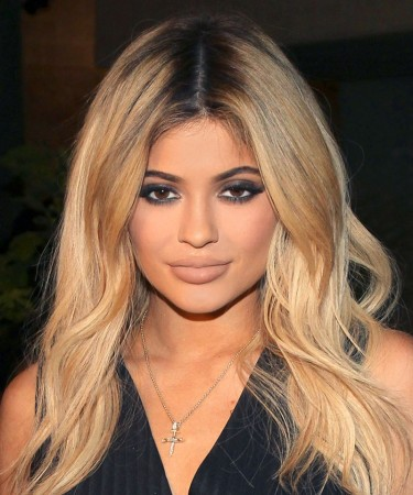 Honey Blonde Ombre Wavy Lace Front Human Hair Wigs